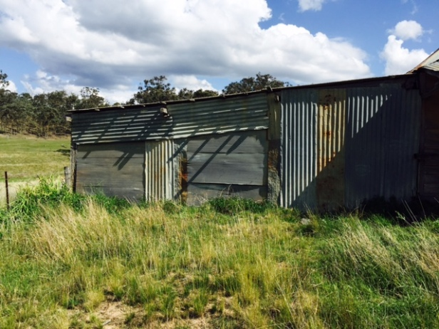 hill-end-turnoff-iron-shed-1
