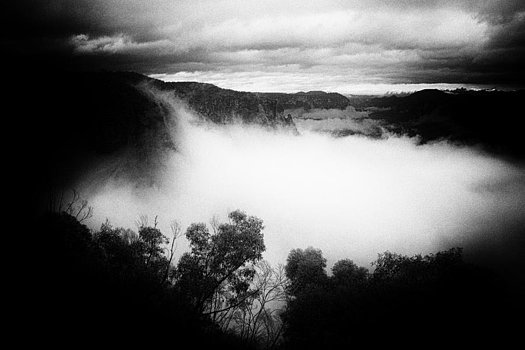 misty-grose-valley-geoff-smith